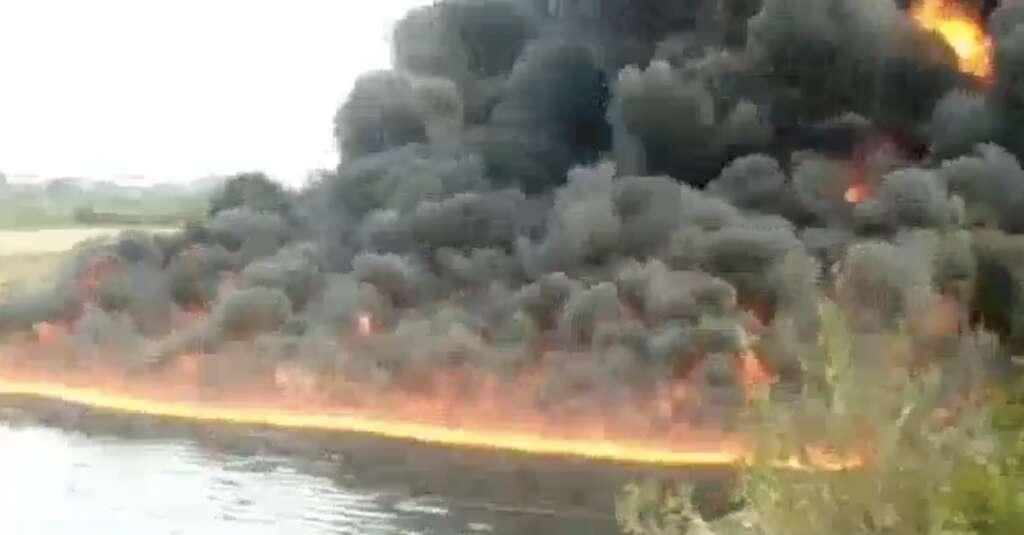 River, India, Oil, Assam
