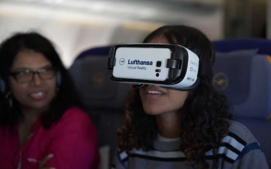 Dubai-bound passengers are first to experience in-flight virtual reality