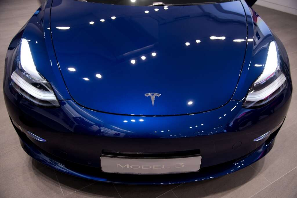 Tesla beats outlook for 2019 car deliveries