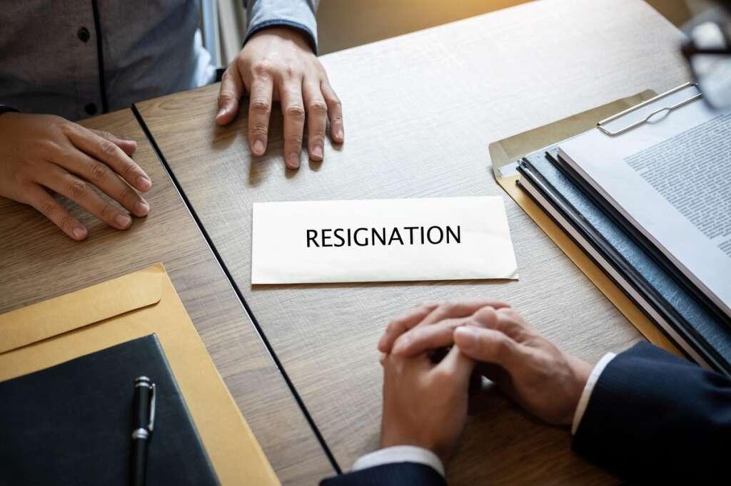 employer, resignation, UAE law. job, legal view, case, court