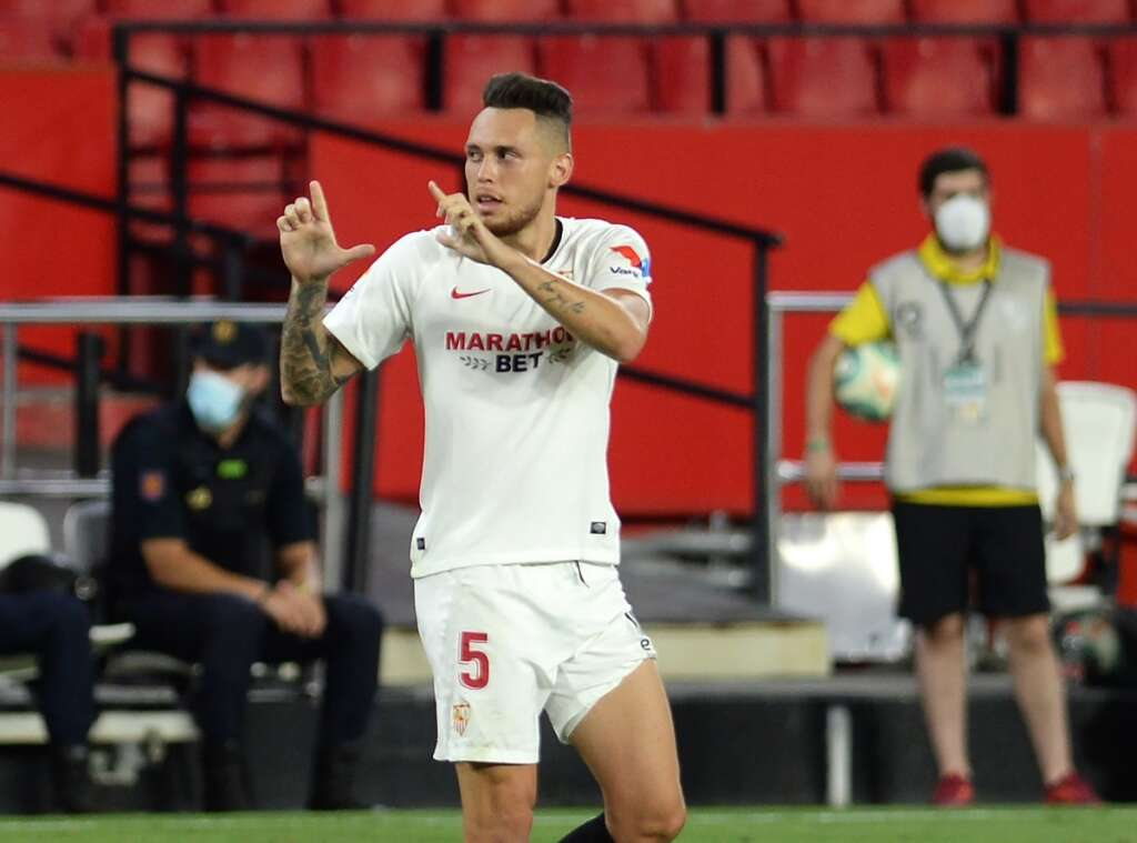 Ocampos the hero as Sevilla close in on Champions League berth