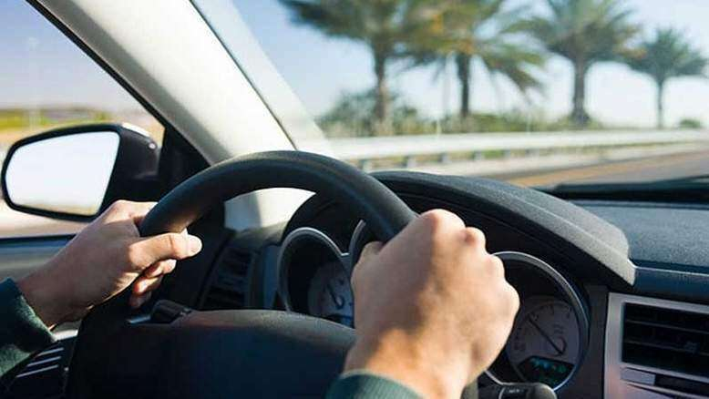 Wife dies in passenger seat, husband drives on without realising