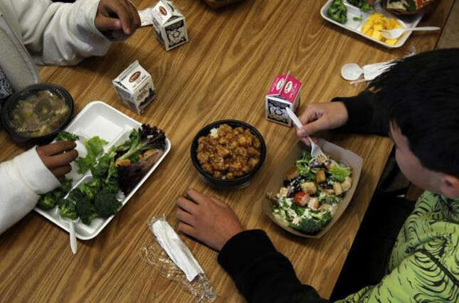 Fine, jail term for eating in public during Ramadan fasting hours
