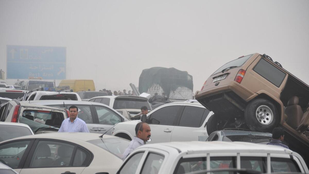 136 road accidents in Dubai on a foggy day
