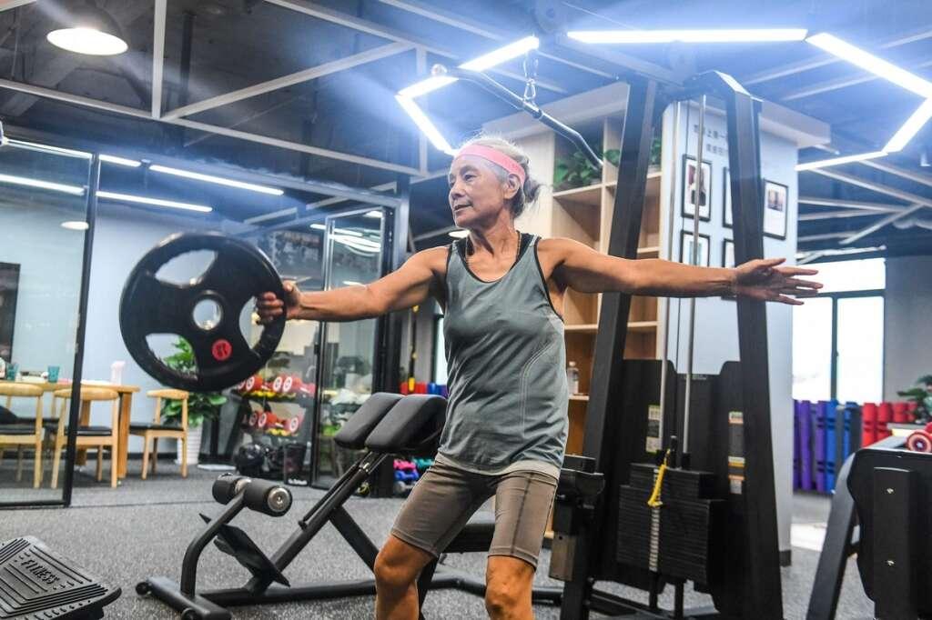 Hardcore grandma, fitness, China