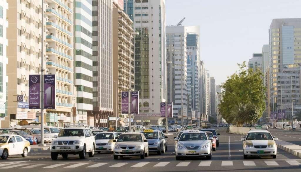 KT explains, Abu Dhabi, traffic law, fine, Dh50,000,  street racing,  jumping red traffic lights