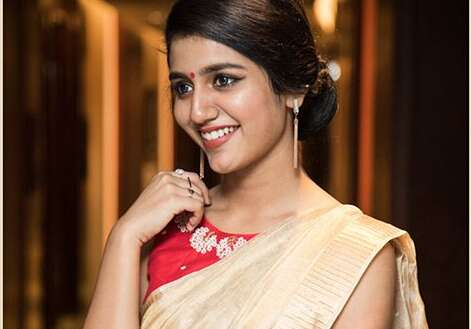 Wink sensation Priya Varrier is winning hearts in traditional avatar for Onam