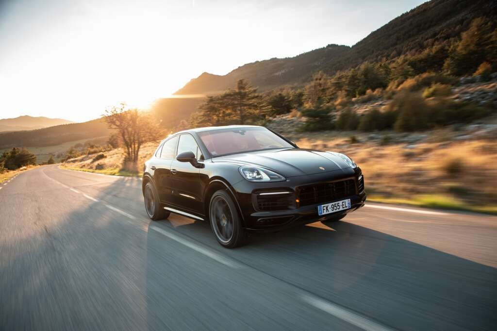 Simplynewcars six tips for buying a new car in the UAE
