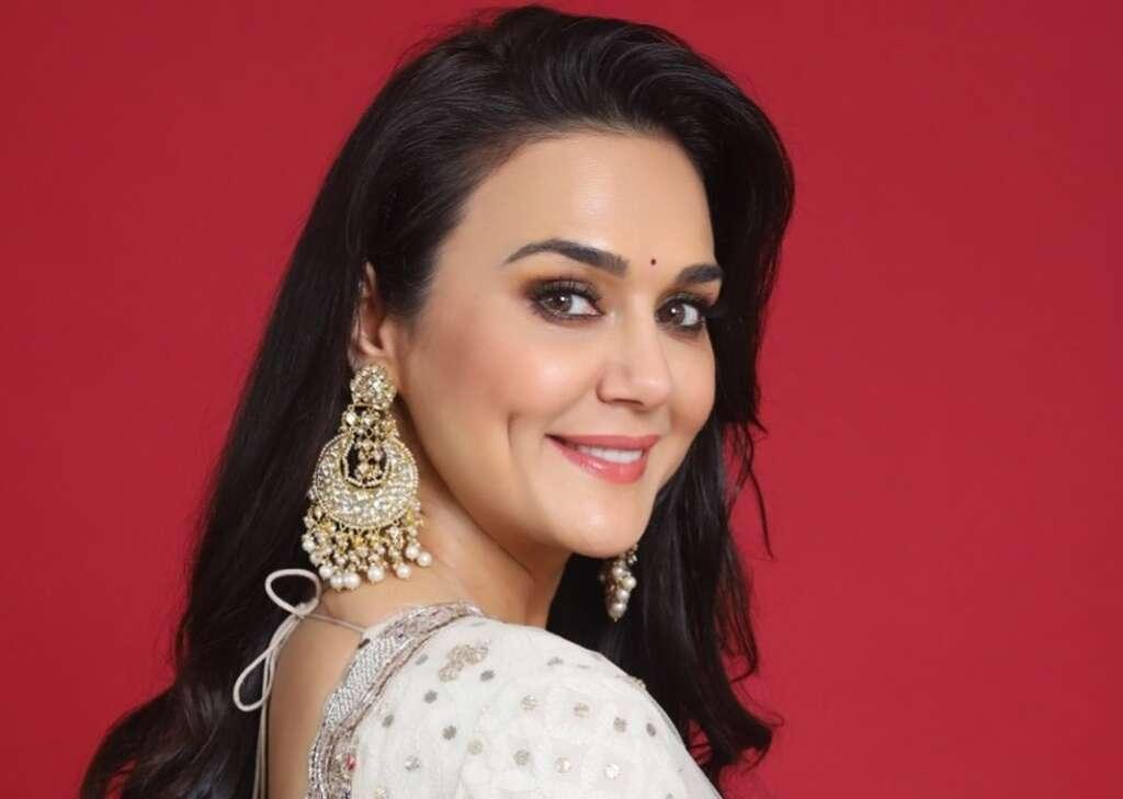 Preity Zinta, UAE, Dubai, arrival, IPL, actress, Bollywood, covid, Covid-19, sanitisation
