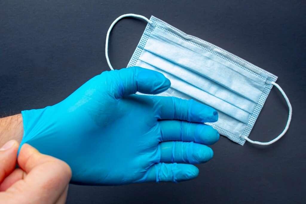 covid-19, coronavirus, mask, gloves, abu dhabi