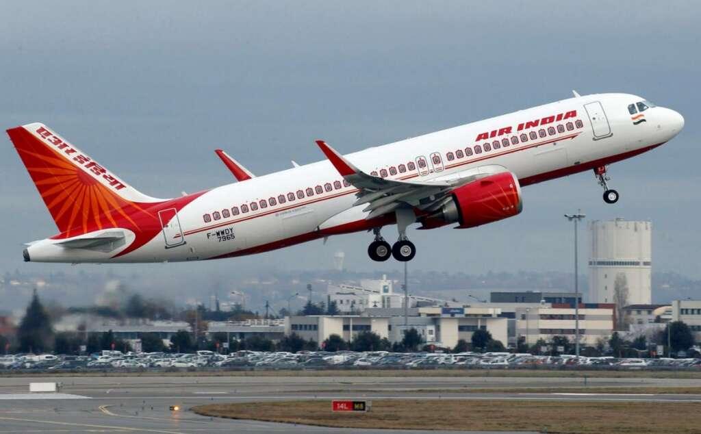 Air India pilot orders crew member to wash his tiffin