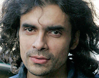 Many Bollywood personalities call for vote to 'secular party'