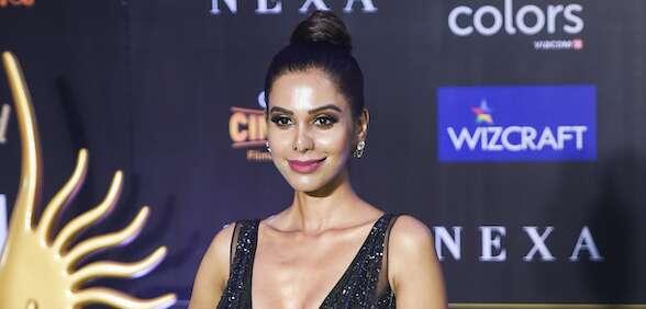 Bollywood, Natasha Suri, coronavirus, actress, positive, Bollywood, dangerous, Bipasha Basu, Karan Singh Grover