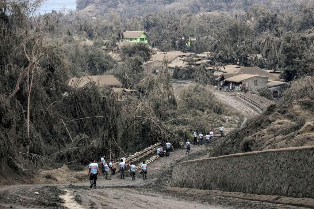 filipino expats, worried, loved ones, volcano, uae, taal volcano