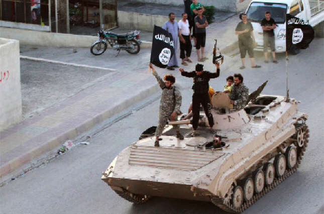 ISIS executes Syrian for aiding regime air strikes
