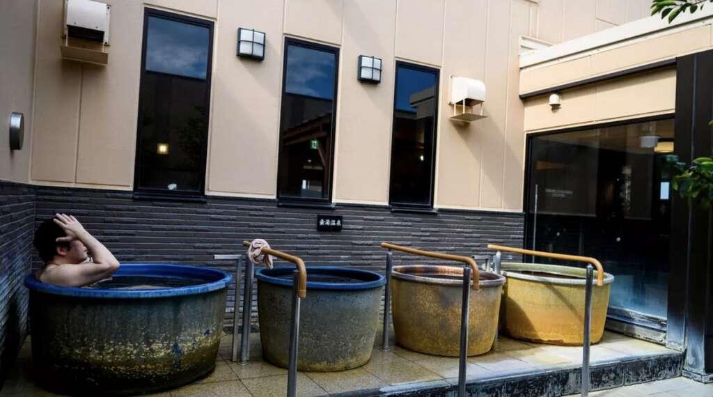 Combating coronavirus, covid19, Japanese bathhouses, awash, post-lockdown rush