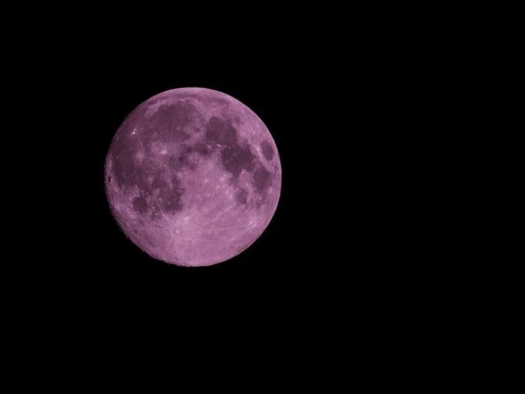 pink moon, UAE, UAE weekend, Strawberry Moon