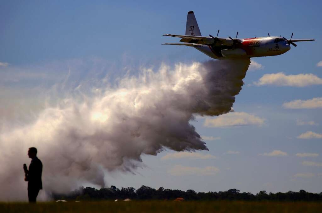 Australia bushfires, Hercules air tanker