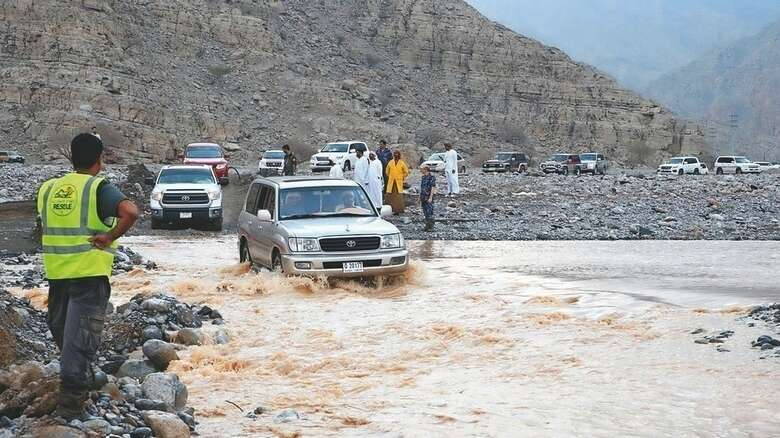 Landslides, Ras Al Khaimah, road structure, roads elevation, sand, gravel stones