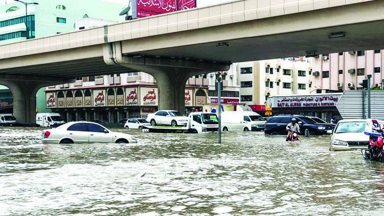 rain, uae, crashes, rise, accidents