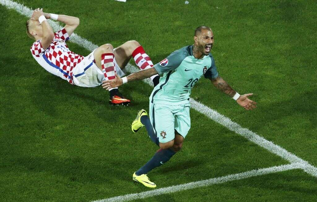 Euro 2016:Portugal substitute Quaresma snatches extra-time winner