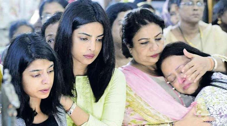 Priyanka bids farewell to her grandmother in Kerala