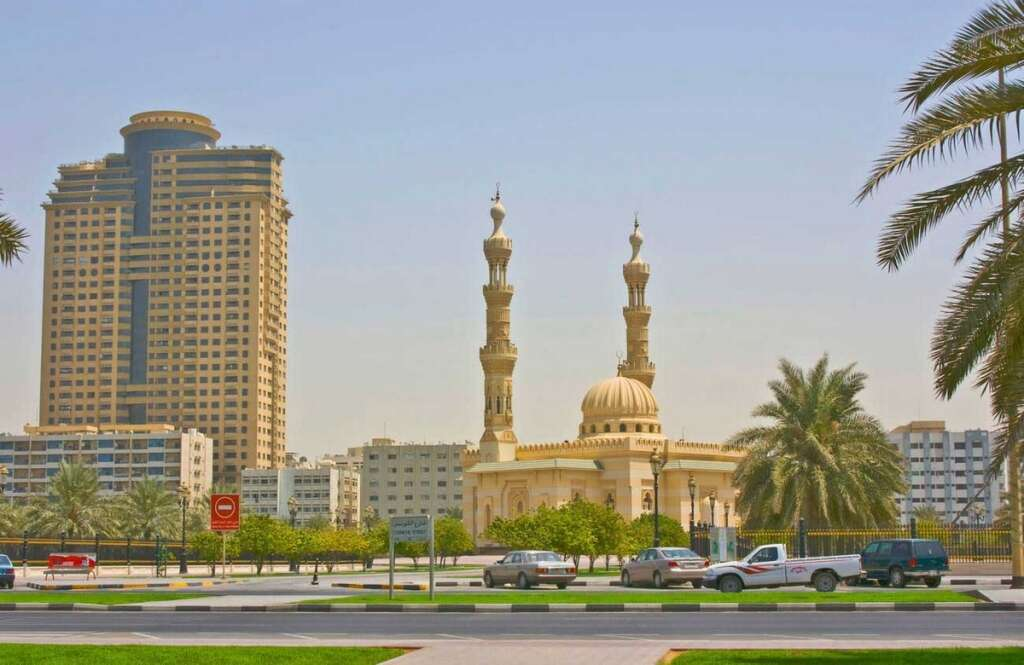 Arab imam, wife, die, Sharjah, road crash, Al Qassimi hospital, road,
