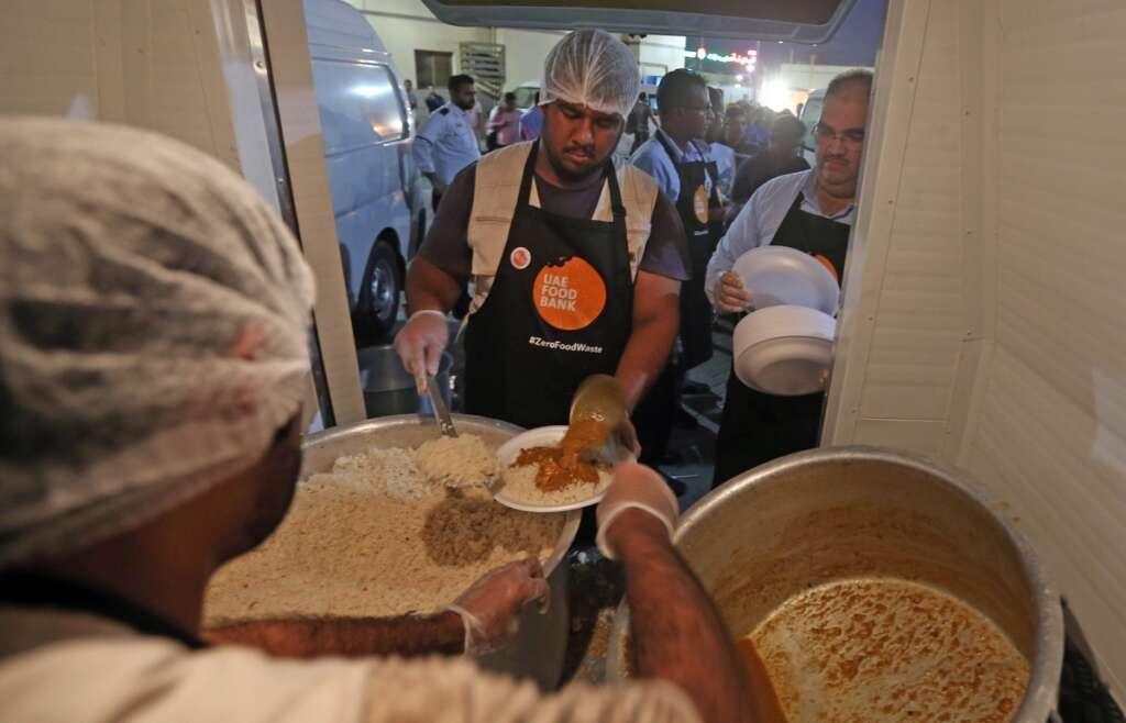 Dubai Municipality distributes food to over 8,000 labourers