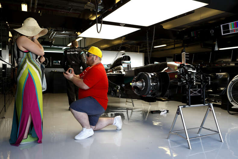 F1 fan proposes to partner in Abu Dhabi