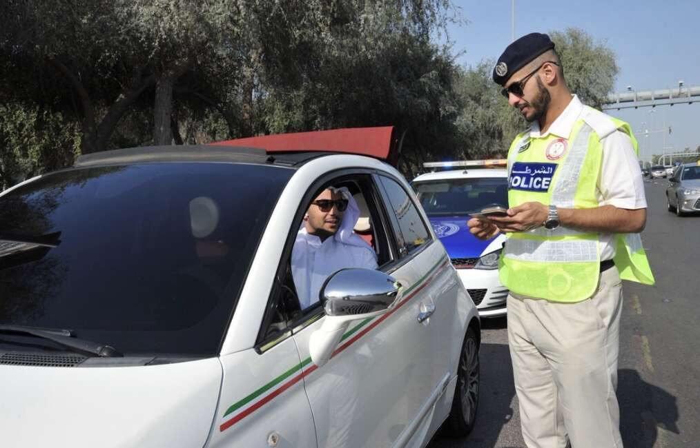 Dh400 fine for changing lanes without signal in Abu Dhabi