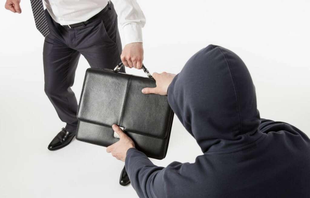 2, snatch, briefcase, Dh1 million, businessman, Dubai