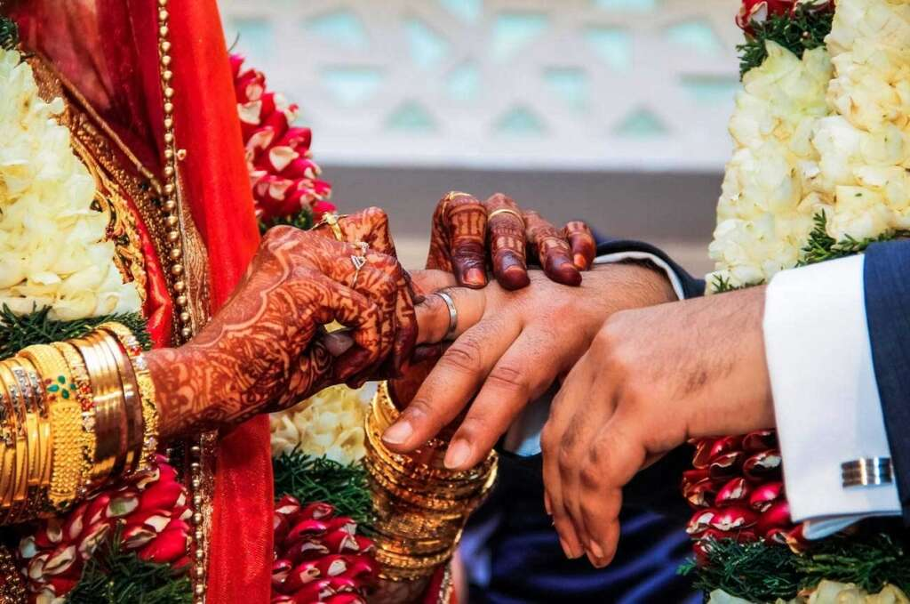 Bride, killed, groom, injured, hours, wedding, groom, tree, accident,