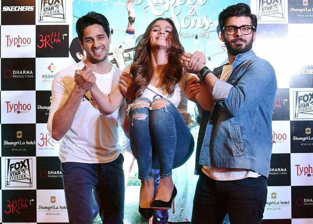 Kapoor & Sons: From real to clichéd (https://images.khaleejtimes.com/storyimage/KT/20160318/ARTICLE/160319459/V1/0/V1-160319459.jpg&maxH=180&imageVersion=6by13&NCS_modified=20160318210230