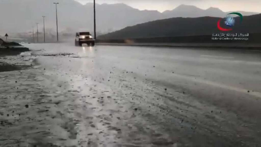 Heavy, rainfall, parts of UAE, Saturday, morning,