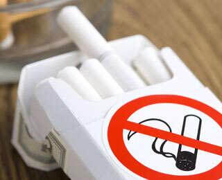Khalifa issues federal anti-tobacco law
