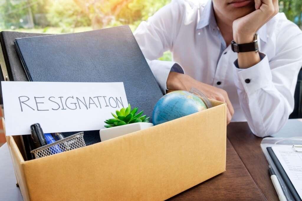 law UAE, UAE job, Dubai job, job contract, resignation