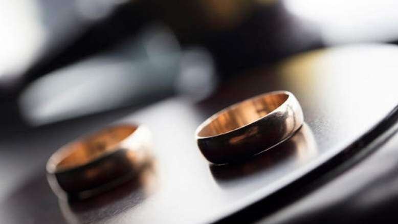Woman in UAE demands divorce after husband forgets birthday, anniversary