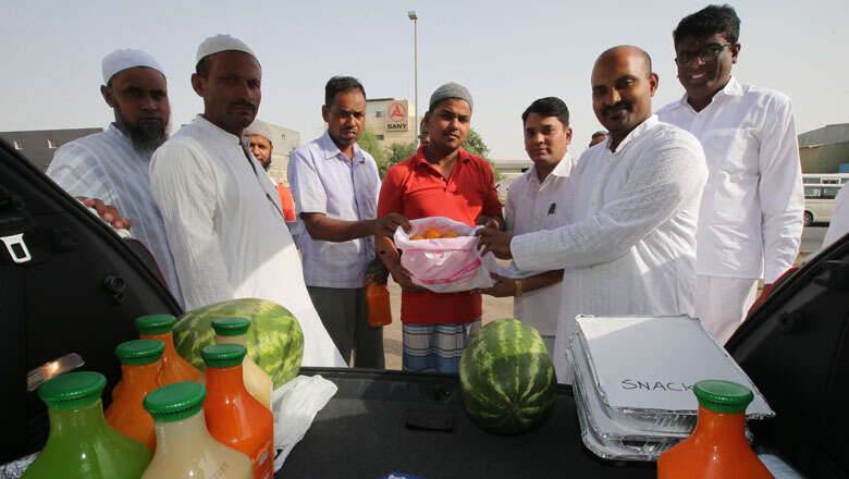 For 20 years, Indian expat hands out Iftar to workers in UAE