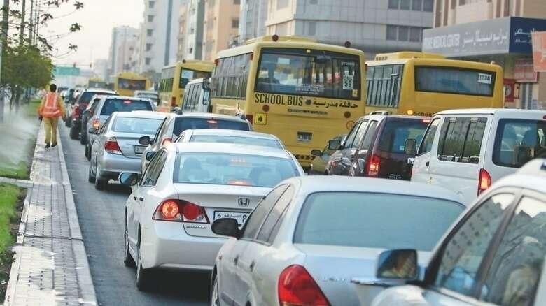 Dubai, Sharjah roads, Traffic, rain, police issues warning
