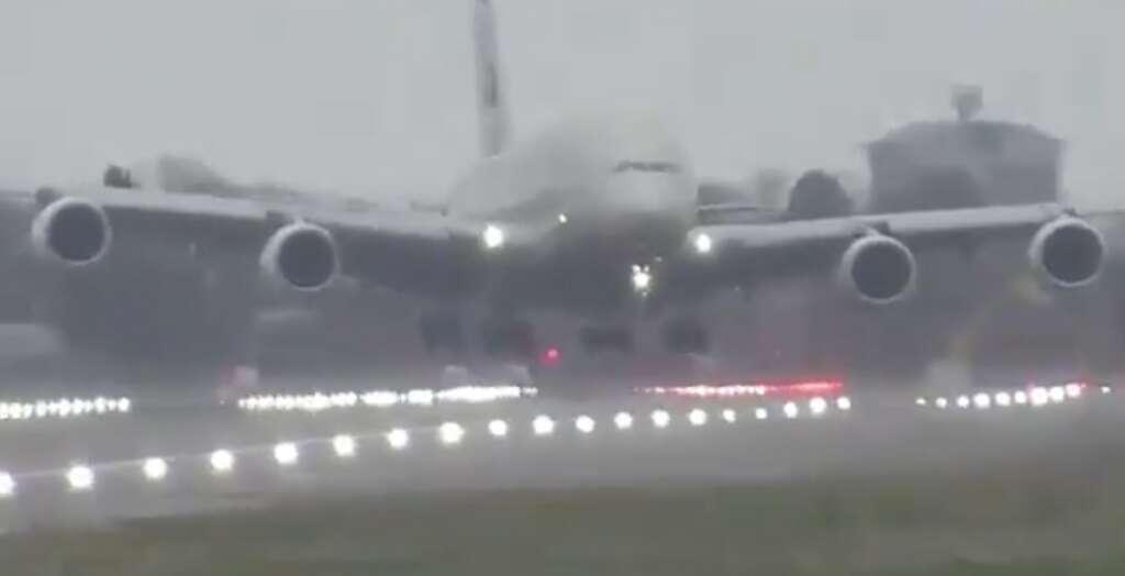 Etihad, Storm Dennis, Heathrow, London, A380