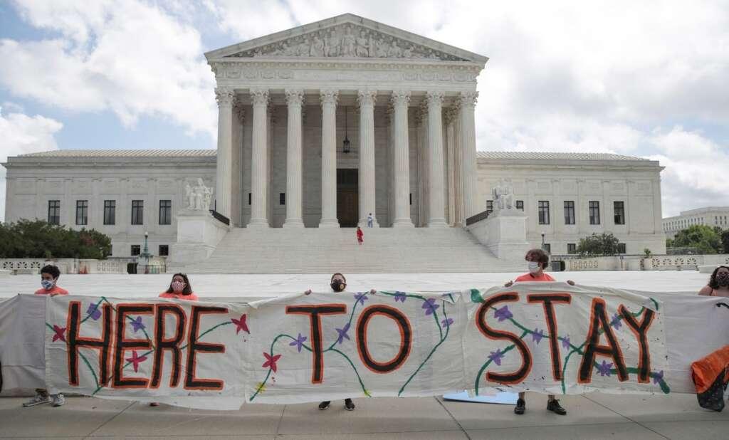 U.S. Supreme Court, blocks, Donald Trump, bid, end, deportation, immigrants, Deferred Action for Childhood Arrivals (DACA)