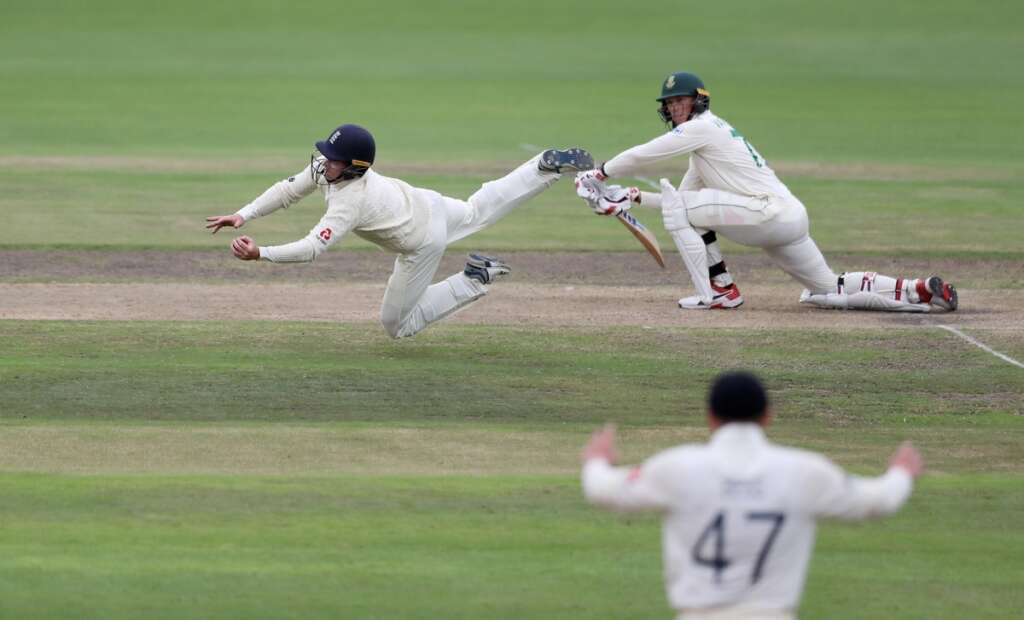 Hosts South Africa stare at big defeat