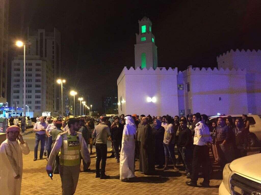 Watch: Abu Dhabi Civil Defence tackles tower fire - Khaleej