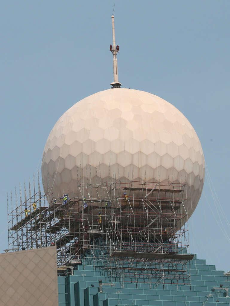 Etisalats golf ball fails to weather storm