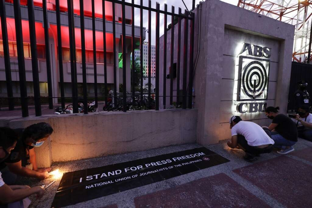 Philippines, ABS-CBN Corp, newscasts