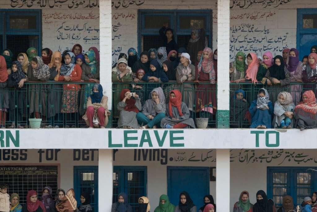 India bans Pakistani TV channels in Kashmir - News | Khaleej