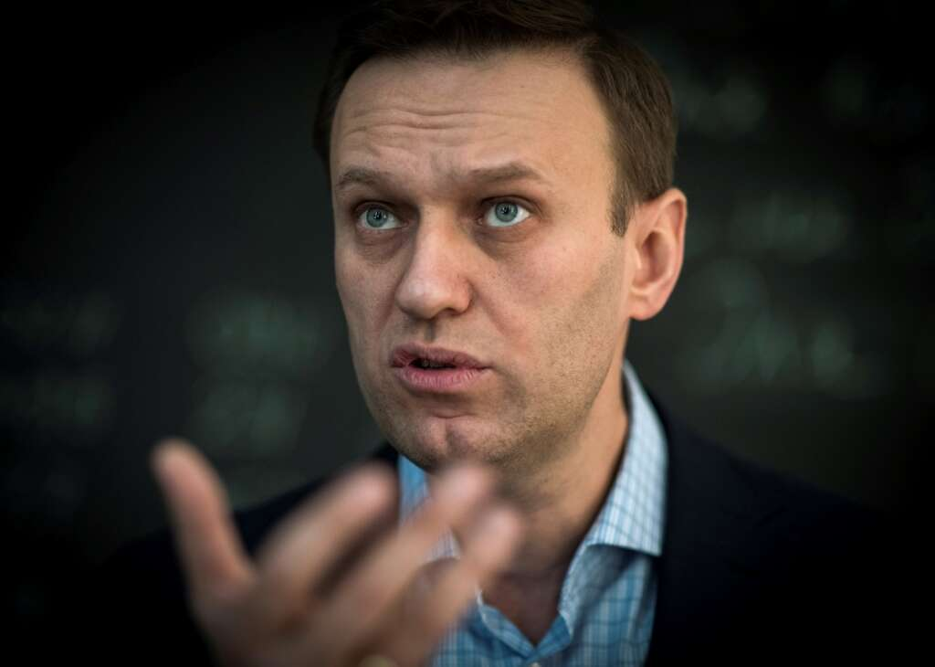 russian, opposition, figure, alexei navalny, battling, for, life, siberian hospital, coma, suspected, poisoning