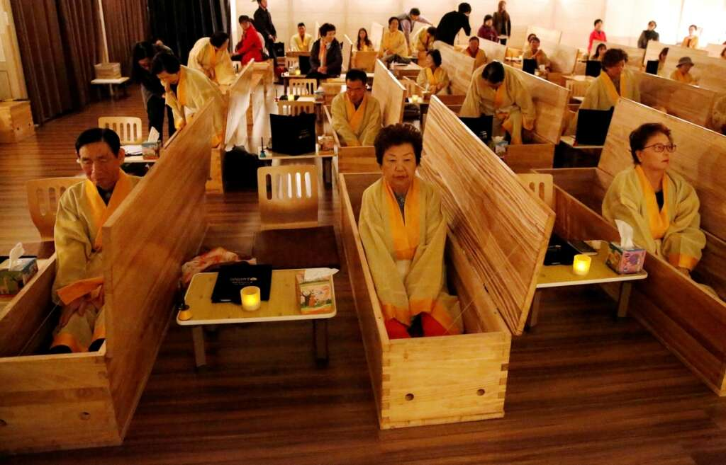 living funeral, Hyowon Healing Centre, dying well, teenagers, retirees, shrouds,
