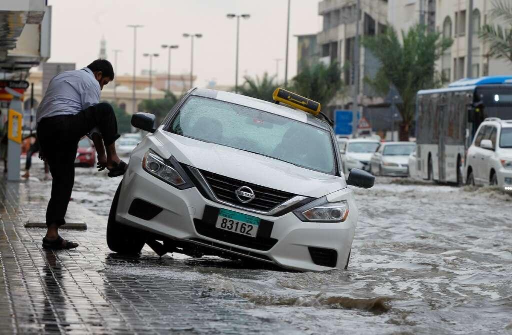 74 patrols, deployed, deal, downpour, Ras Al Khaimah, RAK Police, roads,