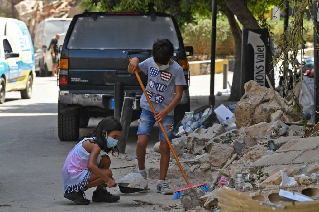 uae, humanitarian group, emirates red crescent, pledged, sponsor, orphans, lost, families, massive, explosion, lebanon, beirut